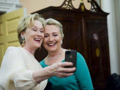 Nuestras celebrities favoritas acuden a votar en las elecciones más importantes de Estados Unidos (con su selfie de rigor)