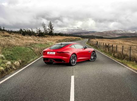 ¡Llega el cuatro cilindros! Ya hay un Jaguar F-Type de 300 CV por 63.500 euros