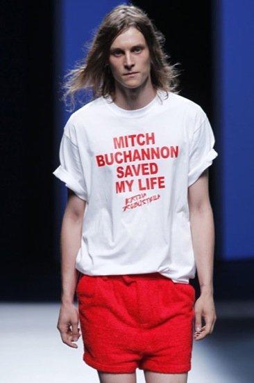 La mejor camiseta del verano inspirada en Mitch Buchannon