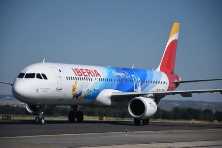 El Universo De Disneyland Paris Llega A Los Aviones De Iberia