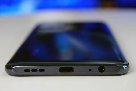 Cómo expulsar agua y suciedad de los altavoces de un móvil Android con aplicaciones