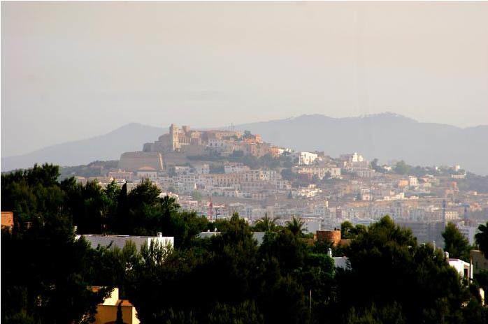 Foto de Casas de Lujo en España: villa en Ibiza (6/14)