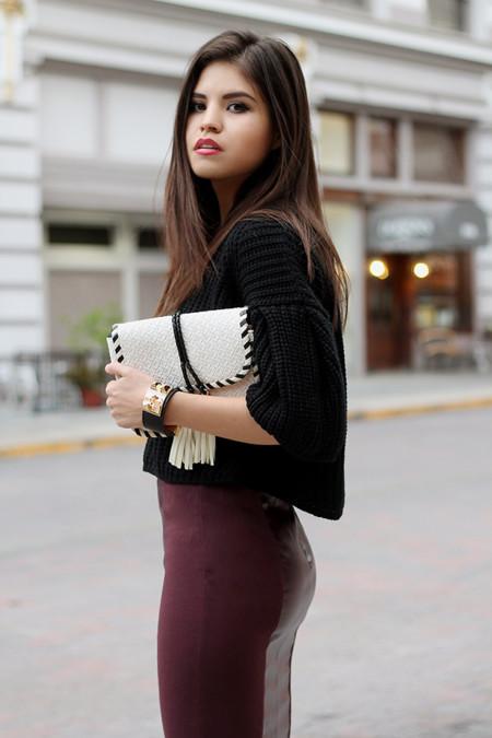 64c437677a Cómo lucir una falda lápiz sin parecer aburrida (y cumpliendo el con look  de oficina)