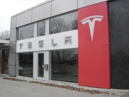 Tesla concreta su agresiva expansión europea
