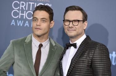 La alfombra roja de los Critic's Choice Awards se llenó de trajes y smokings de lo más originales