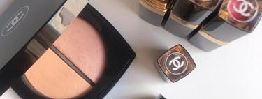 Este verano apostamos por la luz y los contrastes de la colección de maquillaje de Chanel que hemos sumado a nuestro neceser