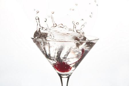 Lo primero para sentirte mejor tras los excesos: beber más agua