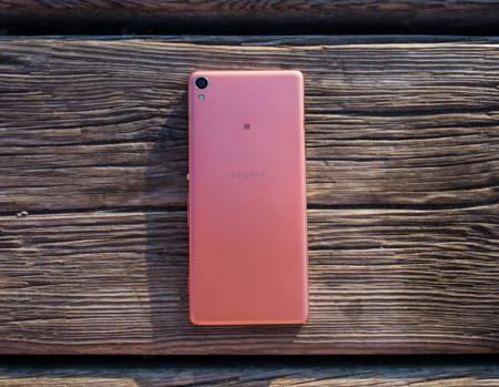 Sony Xperia XA, análisis: ¿es suficiente un gran diseño para reinar en la gama media?