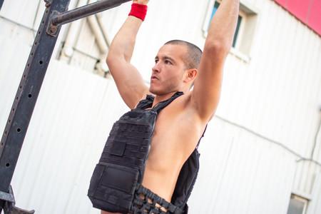 Lo que tienes que saber antes de empezar a entrenar con un chaleco lastrado
