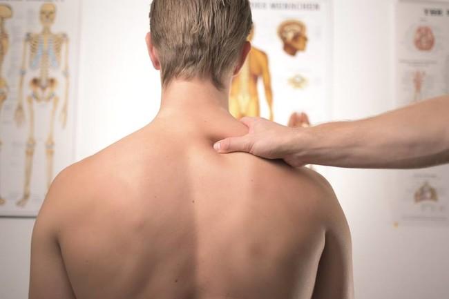 Estas son las lesiones más frecuentes en novatos en el gimnasio (y así puedes prevenirlas)