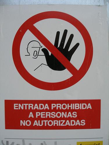 Turistas latinoamericanos atrapados en aeropuertos españoles