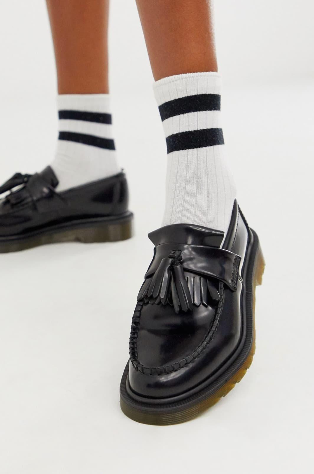 Mocasines con borlas en negro Adrian de Dr Martens