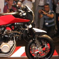 Foto 1 de 12 de la galería husqvarna-nuda-900r-fotos-presentacion-a-la-prensa en Motorpasion Moto
