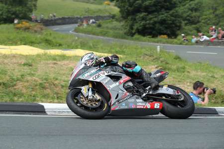 Michael Dunlop Superstock Race Tt Isla De Man 2018