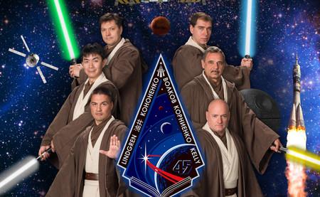 Los loquísimos pósters de la NASA para cada misión a la Estación Espacial Internacional