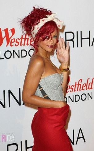 Rihanna termina el año soltera y con malos humos