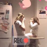 El vídeo viral de una matrona y su hija para enseñar a los niños a llamar al 112 que arrasa en internet