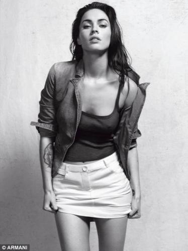 Megan Fox explosiva en lencería para Armani Underwear: todas las imágenes de la campaña, top