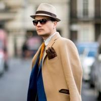 A los hombres les sienta muy bien el sombrero y tenemos once looks para demostrarlo