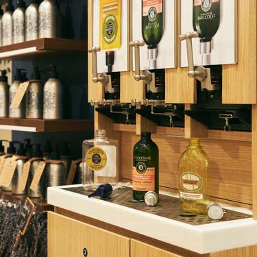 L'Occitane instala fuentes para rellenar sus productos icónicos en las boutiques insignia de Madrid y Barcelona