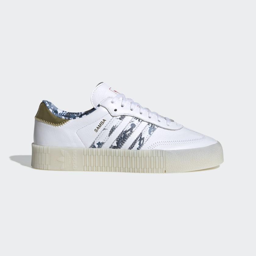 Zapatillas Originals blancas con detalles estampados