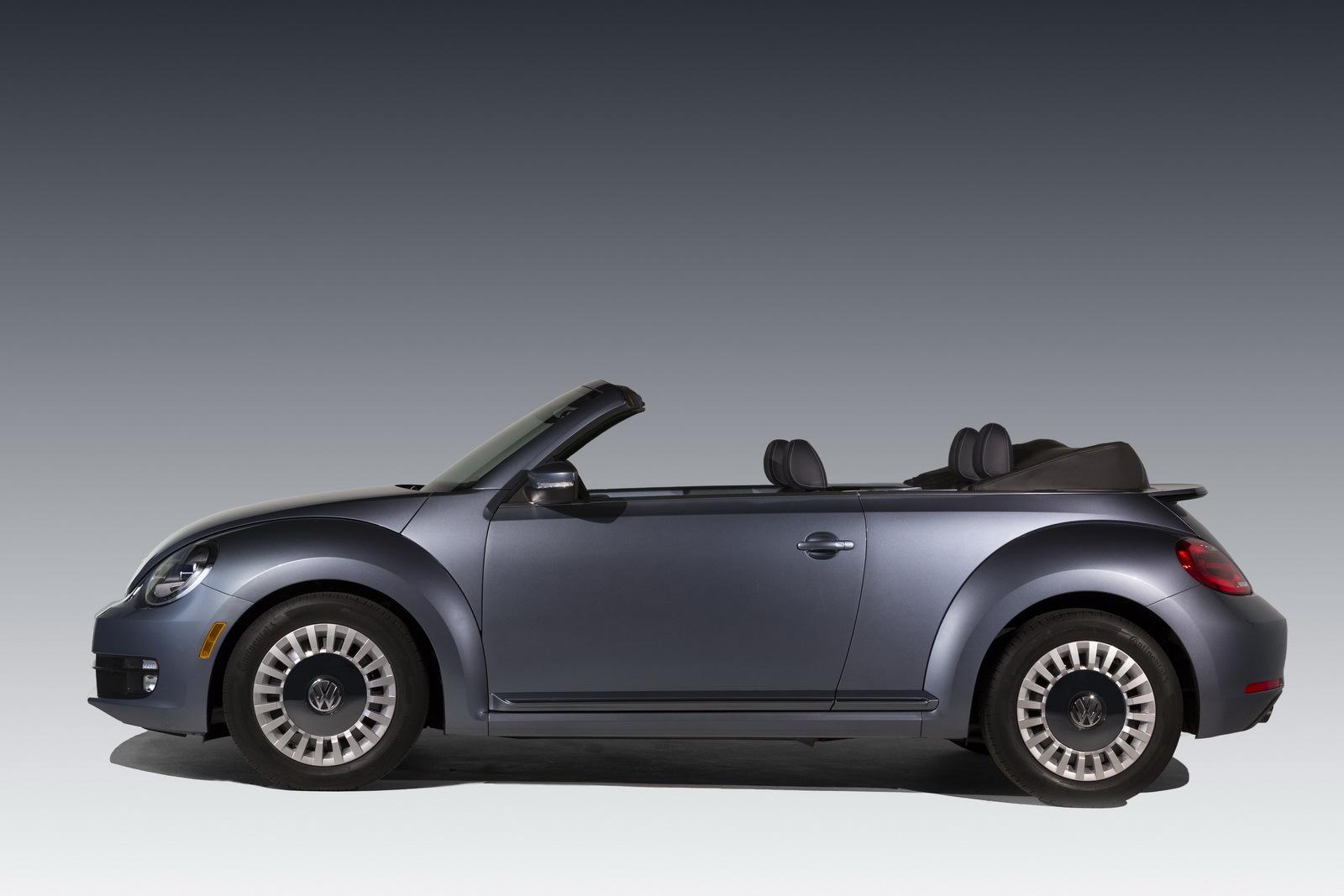 Foto de Volkswagen Beetle Cabrio Denim Edition (5/17)