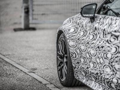 Aún no lo puedes ver, pero bajo todo este camuflaje está el Mercedes-AMG C63 Coupé