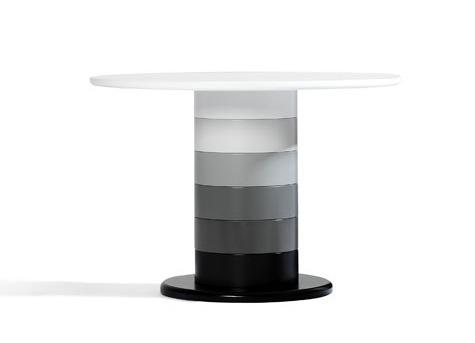 Foto de Babel, mesas columna de muchos colores (4/4)