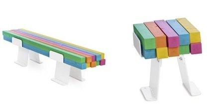 Pylon, bancos y taburetes de maderas multicolor