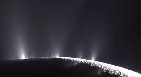 Podríamos detectar vida en Encélado gracias a esta técnica holográfica