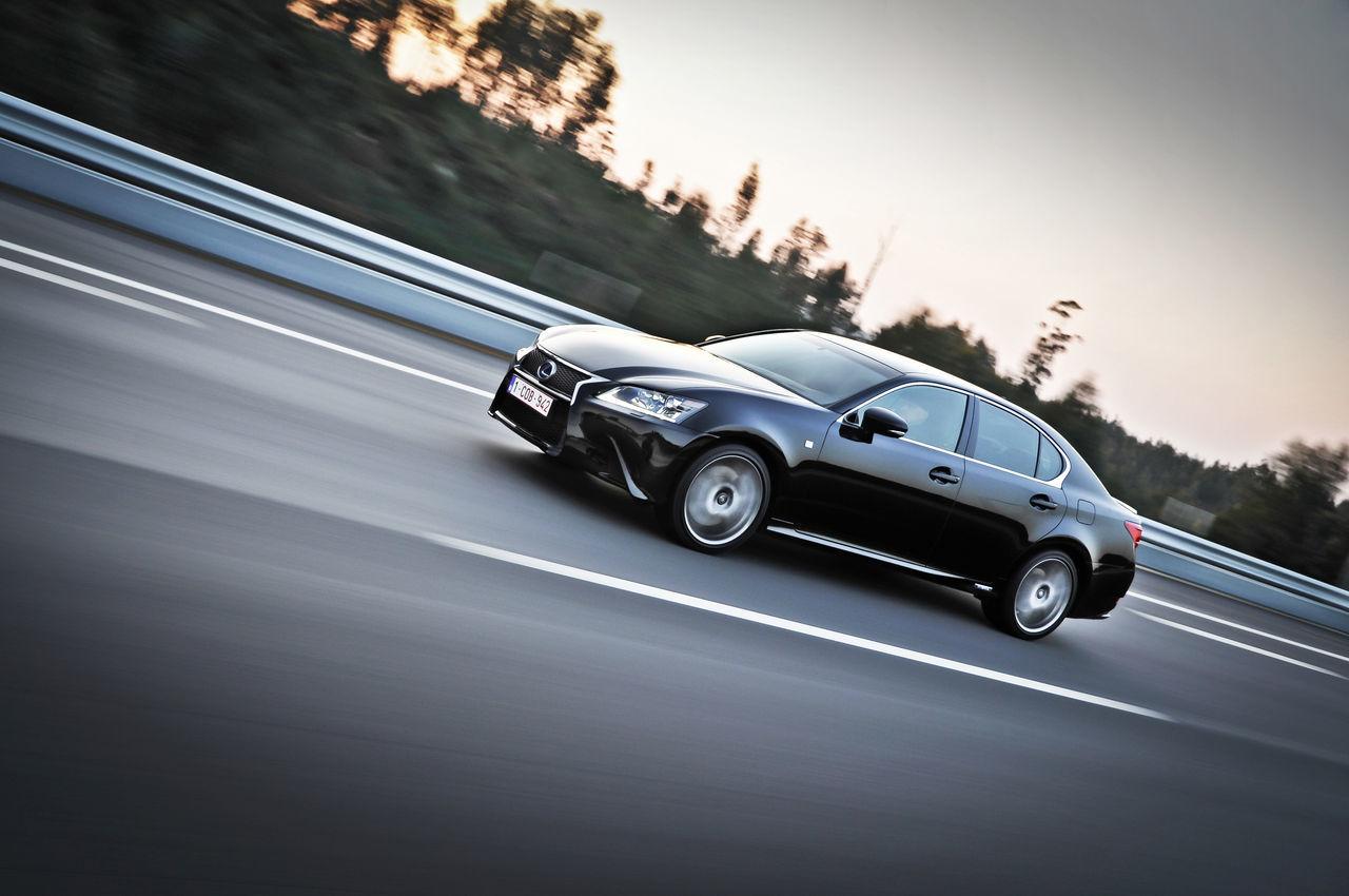 Foto de Lexus GS 450h F Sport (2012) (18/26)