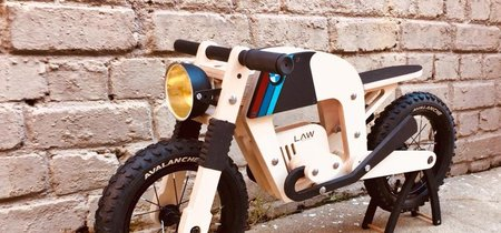 Estas motos de juguete hechas en madera te harán desear ser un niño, tener hijos o irte a vivir a Sudáfrica