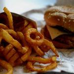 La carne que comes en un restaurante ¿contiene antibióticos?