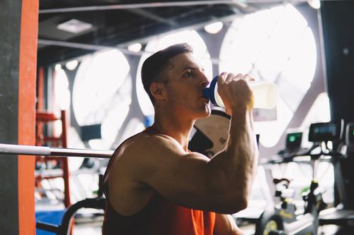 Las cinco cosas en las que te tienes que fijar a la hora de elegir un batido de proteínas