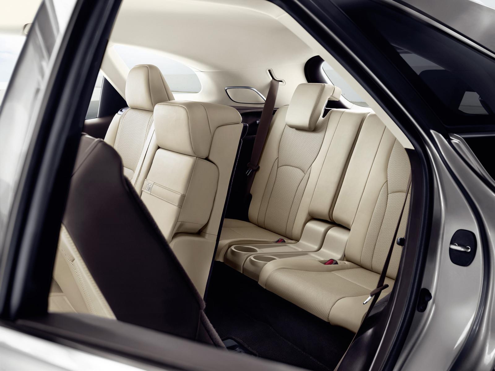 Foto de Lexus RX 450h L (presentación) (10/18)