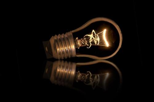 Cómo conocer cuál es el consumo eléctrico real que está haciendo cada aparato enchufado en casa