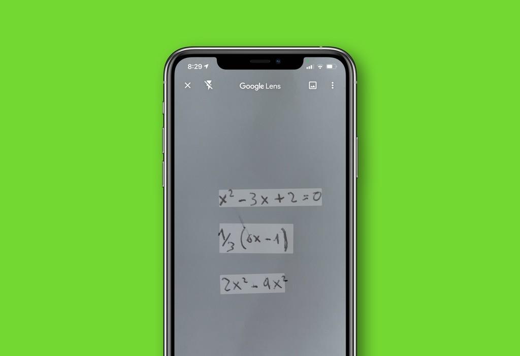 Google Lens en este momento resuelve ecuaciones con sólo realizar una foto y te enseña paso a paso cómo lo ha hecho