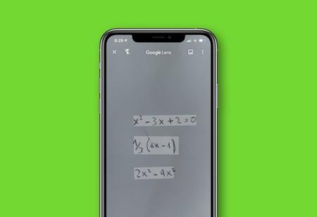 Google Lens ahora resuelve ecuaciones con sólo hacer una foto y te enseña paso a paso cómo lo ha hecho