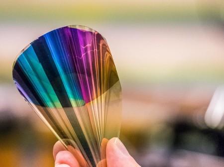 Desarrollan una pantalla de tinta electrónica a color y flexible