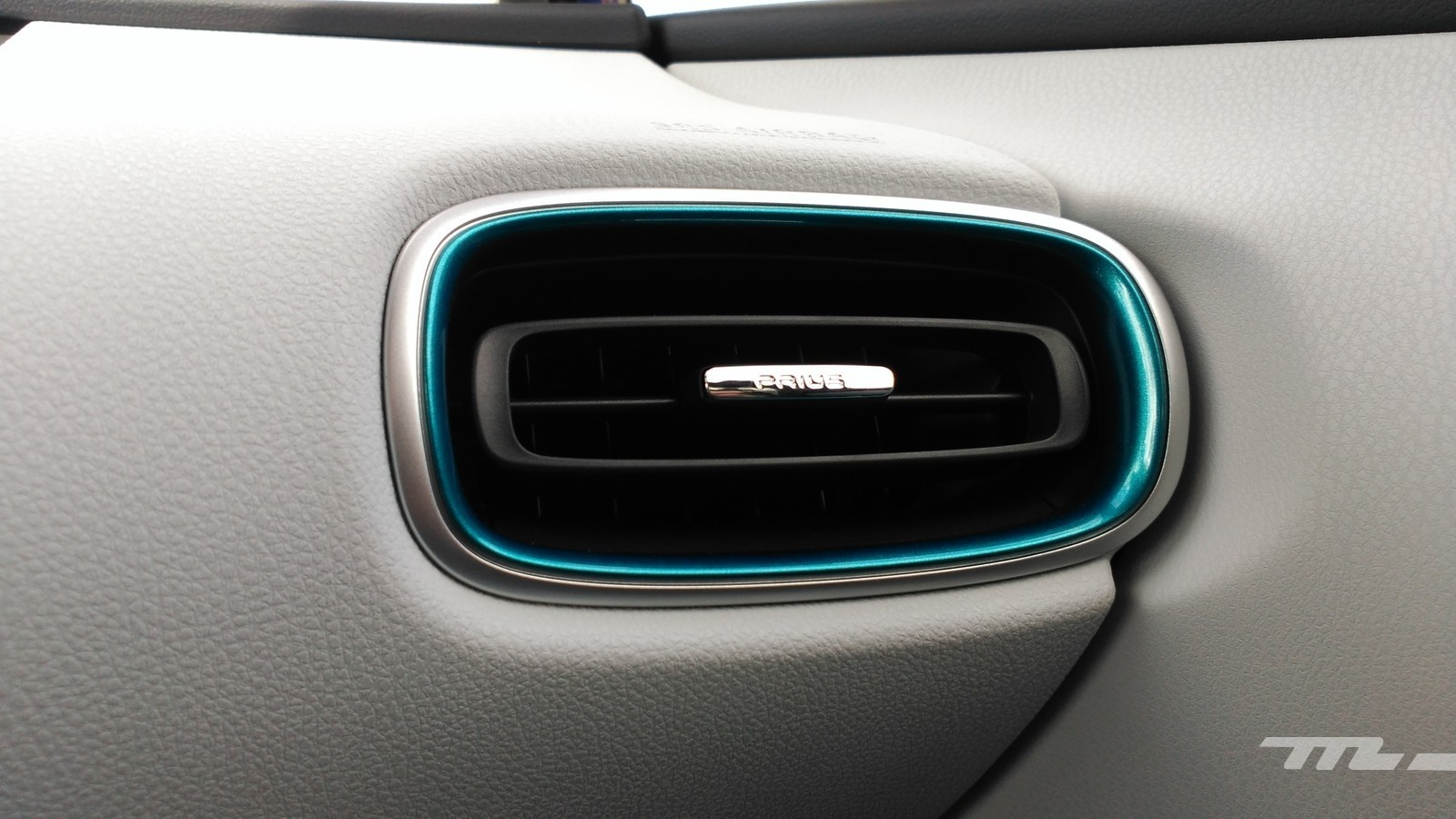 Foto de Toyota Prius 4G - contacto (45/48)