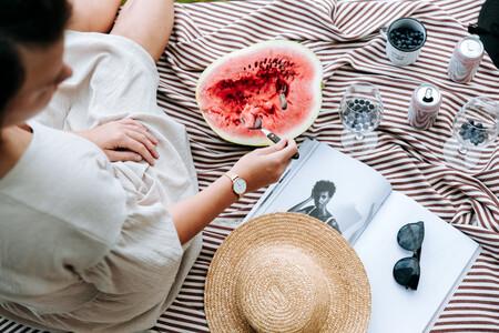 Cinco dietas basadas en el consumo único de frutas: así son la dieta de la piña, la dieta del pomelo o la del melocotón