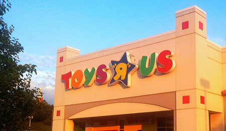 """No, Toys """"R"""" Us no quiebra solo por culpa de Amazon, sino por su elevada deuda"""