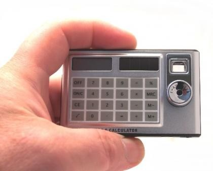 Calculadora y cámara digital. ¿Para espías?