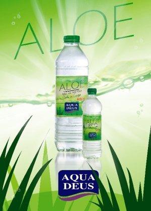 Agua con aloe vera