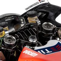 """División de opiniones en MotoGP: """"espero que no haya nadie que se caiga porque está centrado en los mensajes de la pantalla"""""""