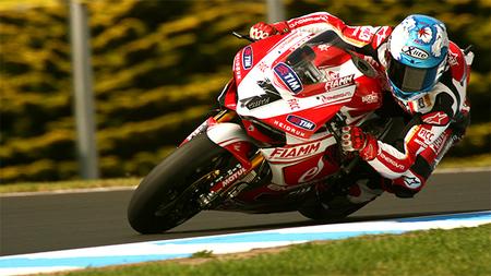 Superbikes Phillip Island 2013: Carlos Checa domina la Superpole
