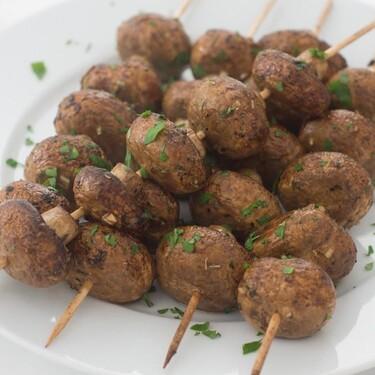 Brochetas de champiñones balsámicos, receta vegetariana