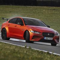 Haz palomitas y sube el volumen: aquí está en Jaguar XE SV Project 8 haciendo 7:21.23 en Nürburgring Nordschleife