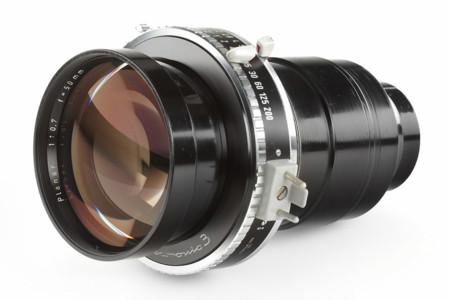 Así es el objetivo más luminoso que se ha fabricado: Carl Zeiss Planar 50mm f/0.7