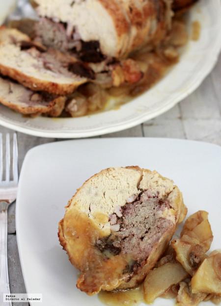 Pollo relleno de carne, ciruelas y panceta: receta para celebraciones